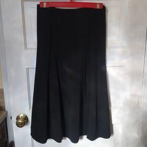 Black skirt 20W